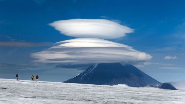 cdd4a5f5-12a0-47aa-bd37-30ba381c13bc_02_CATERS_Lenticular_Clouds_01