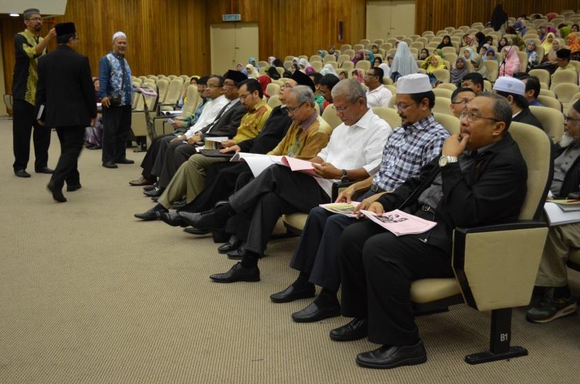 From Left, Uncle Zainol Rijal, Ustaz Nasharudin Mat Isa, ____, Dr. Ashraf, ---, ---, ---, ---, Dato' Aidit Ghazali