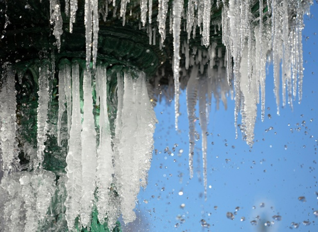 Icicles form on a fountain in Augusta, Georgia. Photograph: Michael Holahan/ZUMA Press/Corbis