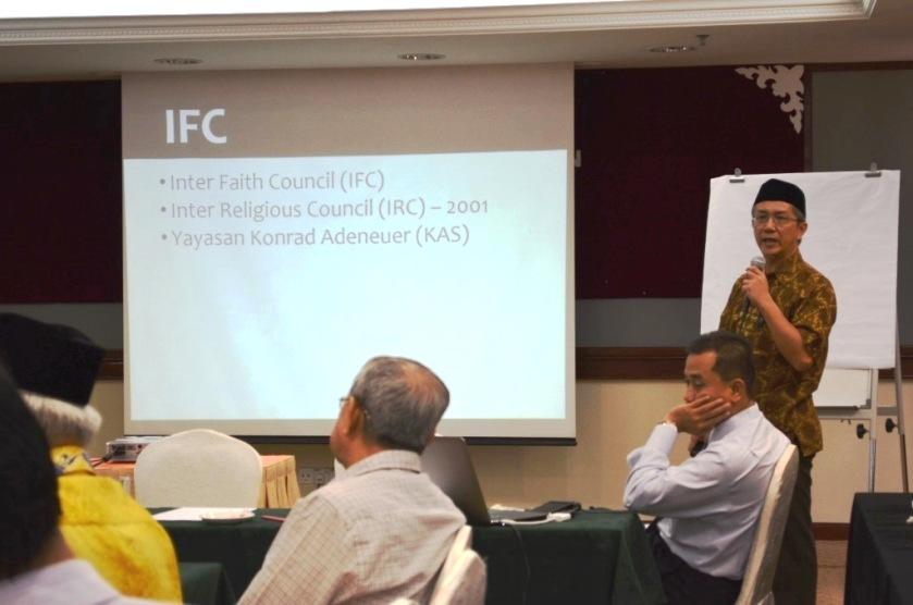 Briefing by the Muslim UPRO secretary general.