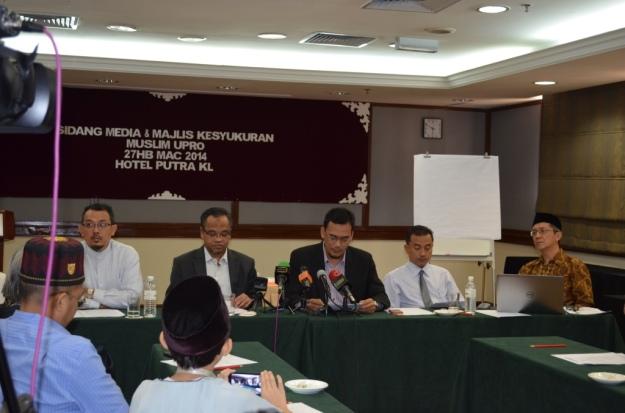 The Muslim UPRO committee members.