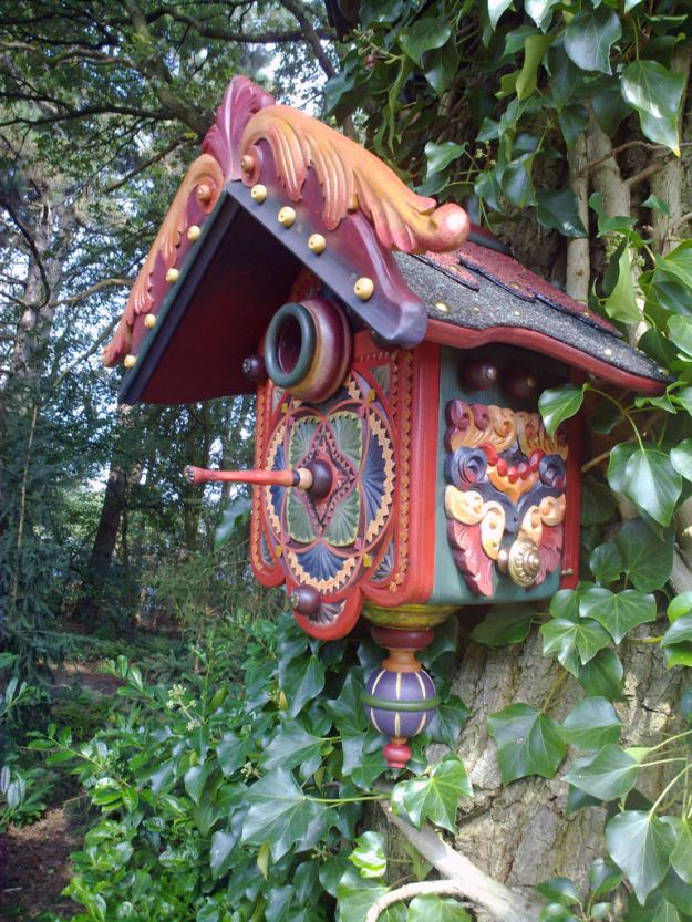 The 'Fairytale birdhouse' in Afferden, Holland, has a child-like style to it. (Caters) 6 / 6 Yahoo News UK Share to FacebookShare to TwitterShare to Pinterest ClosePrevious imageNext image
