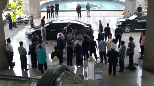 Tan Sri Muhyiddin Yassin leaving Masjid Wilayah Persekutuan
