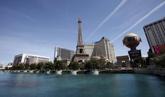 UNITED STATES: A general view of the Paris hotel in Las Vegas, Nevada March 26, 2012. (REUTERS/Mario Anzuoni)