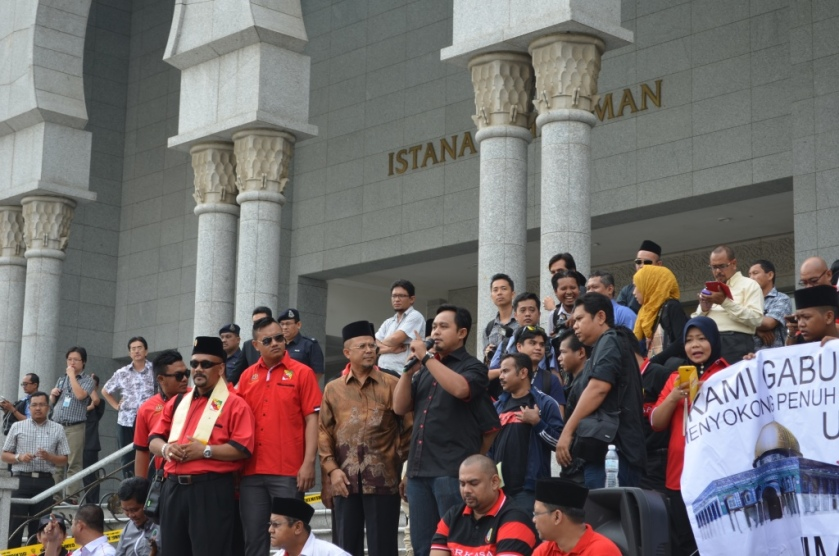PERKASA leaders addressed the crowd outside of the Istana Kehakiman, June 23, 2014.