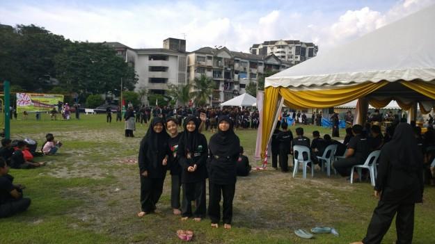 My big sisters and I before the Upacara Mandi Minyak.
