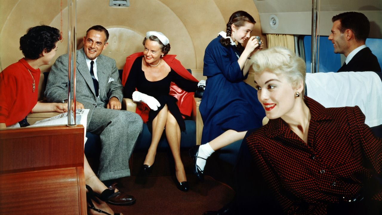 Planes in the '50s had living areas for passengers to chat in. (Airlineratings.com)
