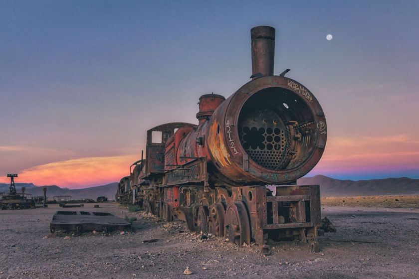 A steam locomotive turns a reddish brown as dust coats its exterior. (Chris Staring/@skaremedia/REX/Shutterstock)
