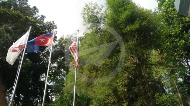 Flag of Johor flown upside down at Desaru Tunamaya