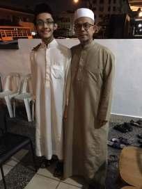Gambar kenangan saya bersama Dato' Zulkifli Noordin semasa malam kedua selepas selesainya majlis tersebut. (Gambar ihsan Dato' Zulkifli Noordin)